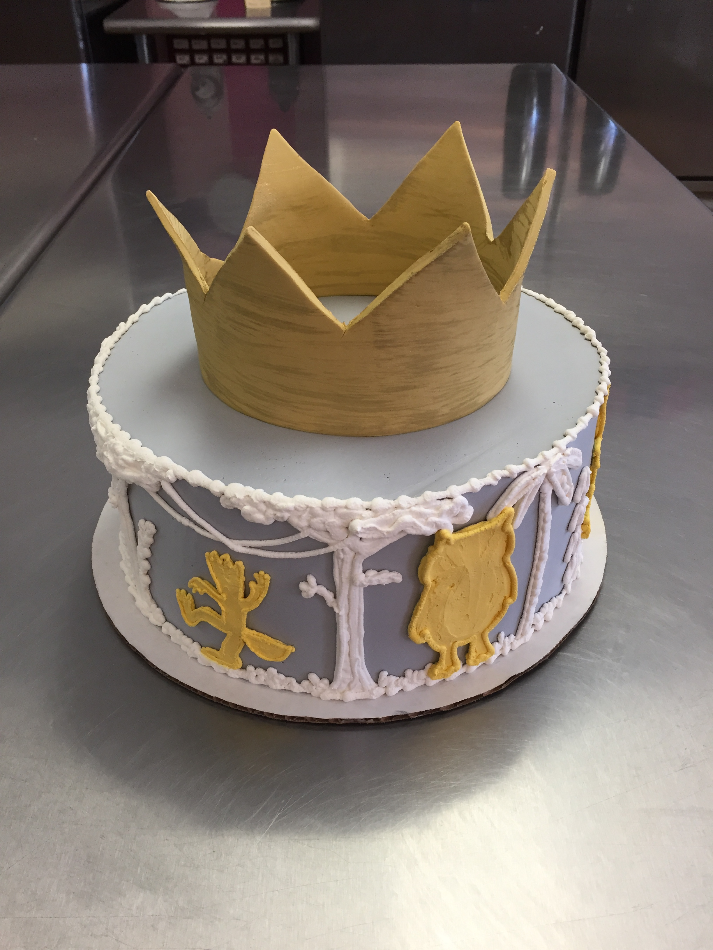 27 - Wild Silhouettes with Fondant Crown